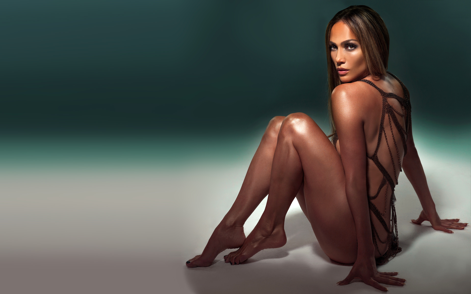 Which Is The Sexiest Outfit That Jennifer Lopez Had Ever Worn With Tights Or Stockings