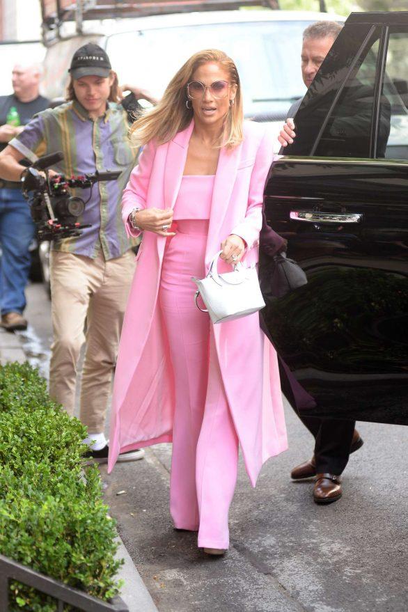 Jennifer Lopez 2019 : Jennifer Lopez – Wearing all pink business suit-02
