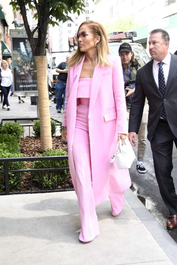 Jennifer Lopez 2019 : Jennifer Lopez – Wearing all pink business suit-07