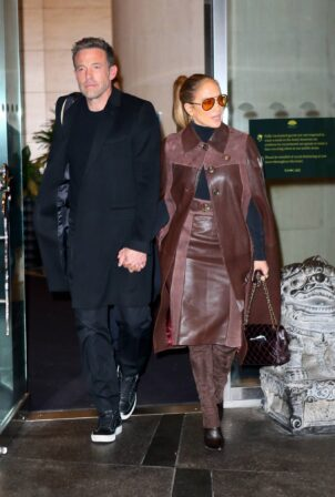 Jennifer Lopez - With Ben Affleck check out of the Mandarin Hotel