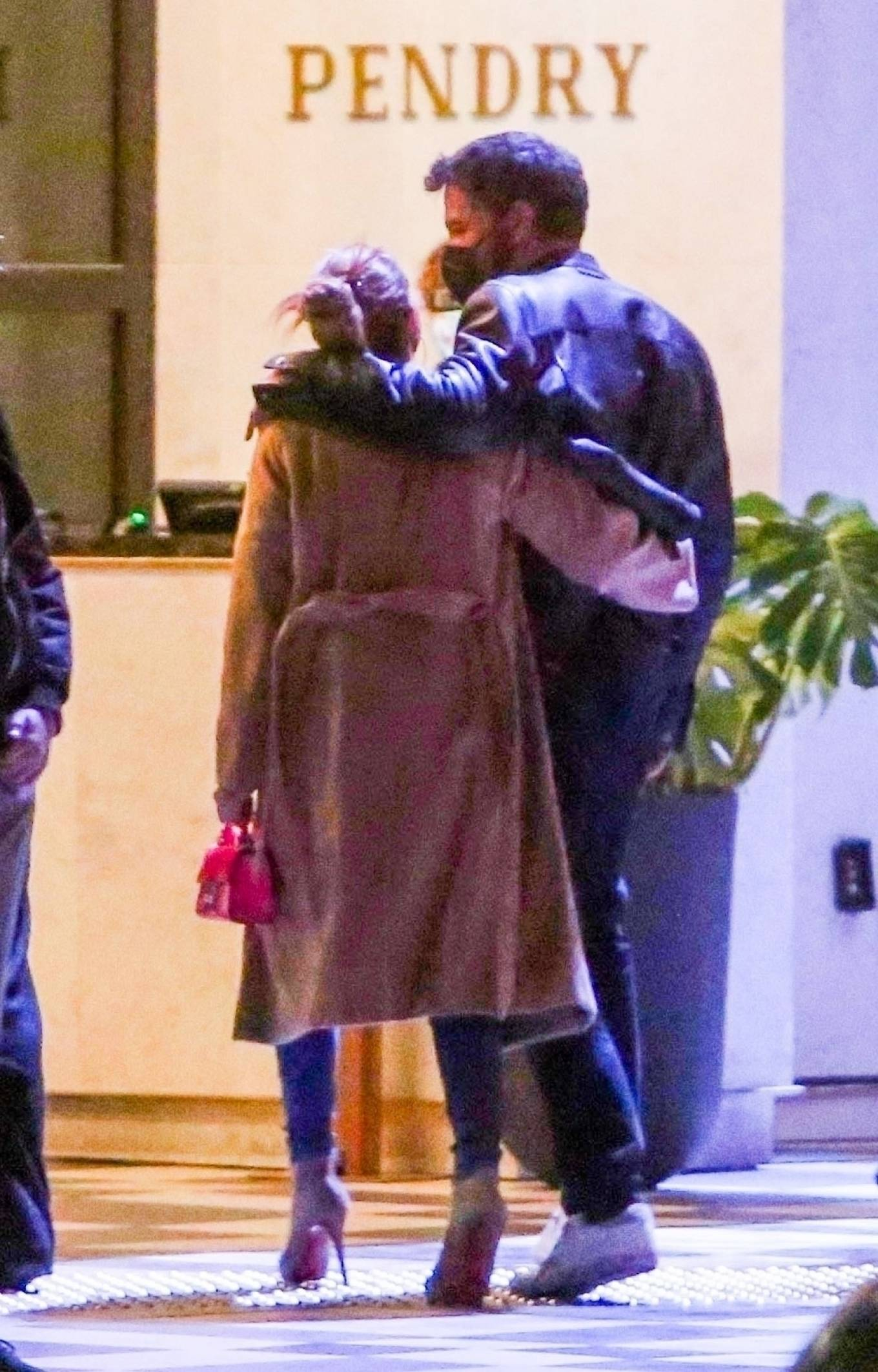 Jennifer Lopez - With Ben Affleck on a dinner date in Hollywood