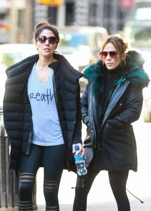 Jennifer Lopez with her sister - Heads to the gym in NYC
