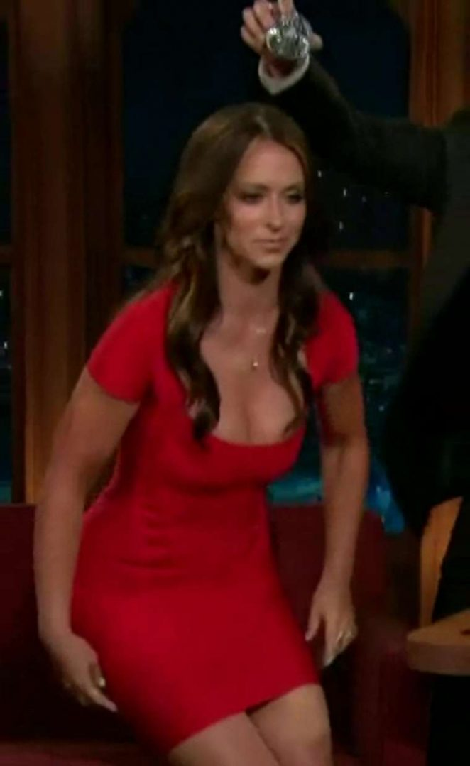 Jennifer Love Hewitt - Dances In A Red Dress on The Late Late Show