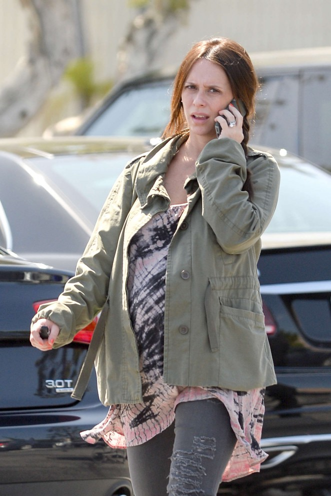 Jennifer Love Hewitt – Grocery shopping in Pacific Palisades