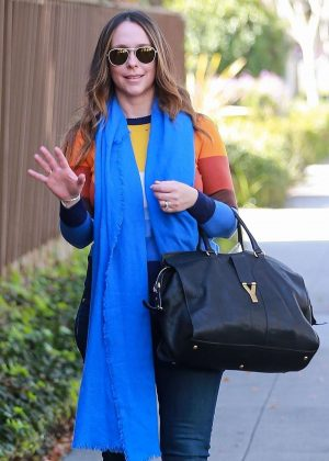Jennifer Love Hewitt in Jeans - Out in Beverly Hills