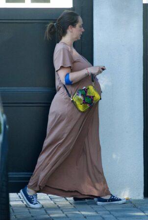 Jennifer Love Hewitt - Was spotted out in LA