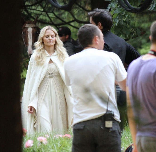 Jennifer Morrison - On the Set of 'Once Upon A Time' in Burnaby's Central Park
