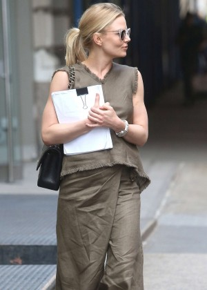 Jennifer Morrison out in New York City