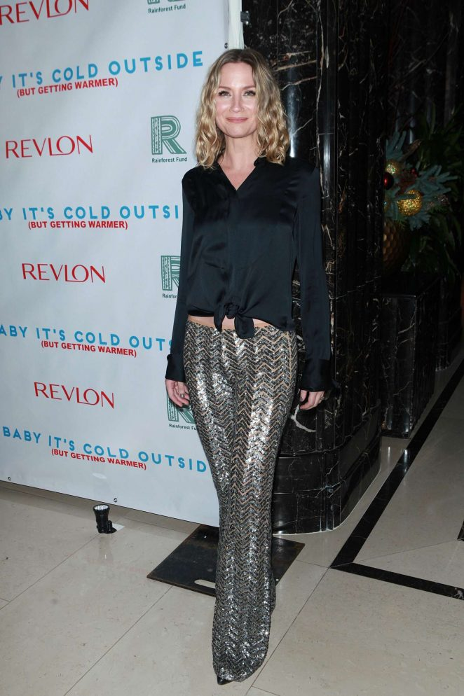 Jennifer Nettles – Baby It's Cold Outside: The 2016 Revlon Holiday Concert For Rainforest Fund in NYC