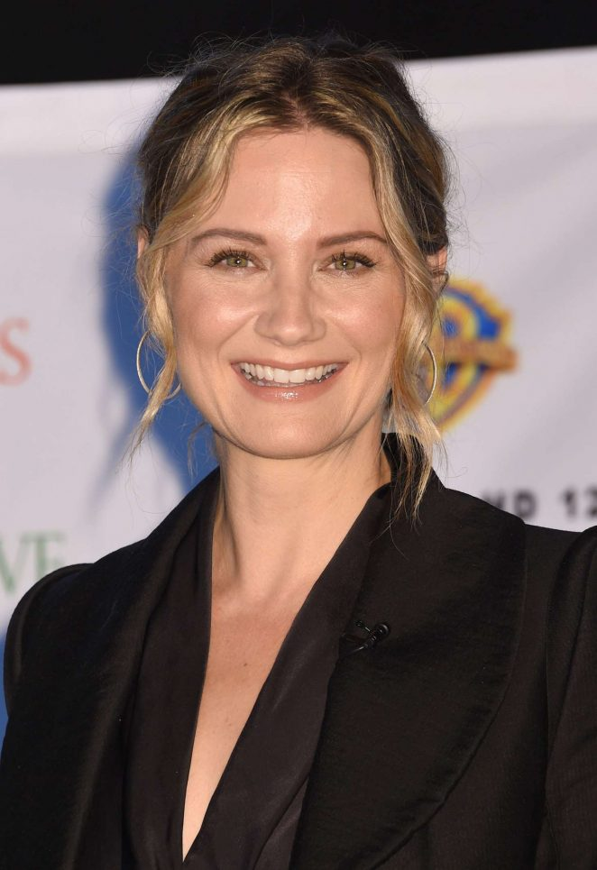Jennifer Nettles: Christmas of Many Colors: Circle of Love Press Conference -15