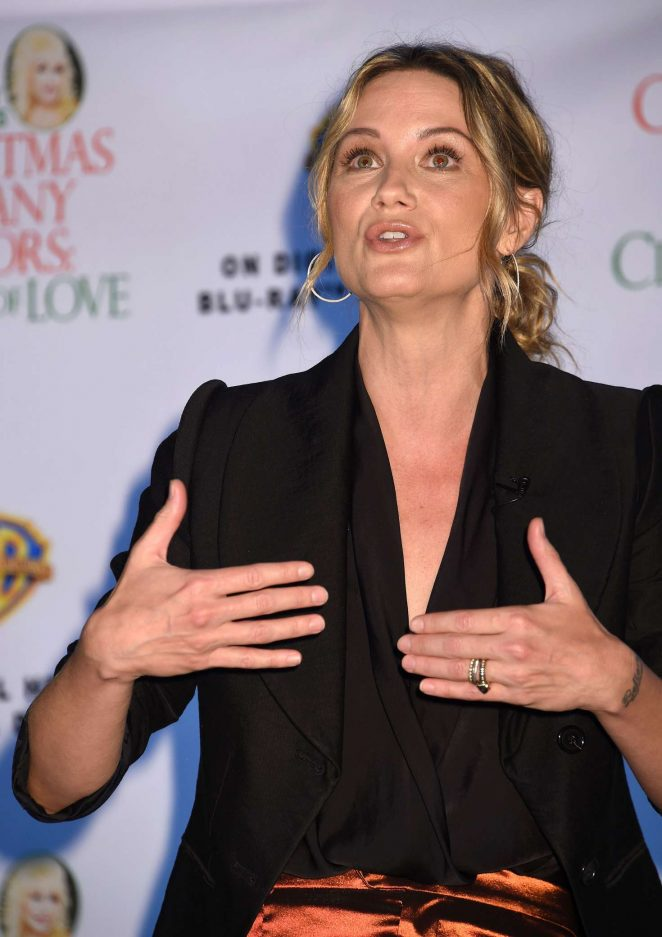 Jennifer Nettles: Christmas of Many Colors: Circle of Love Press Conference -19