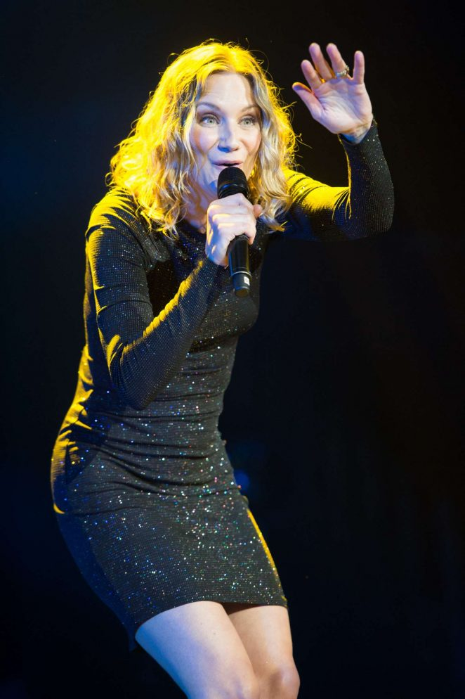 Jennifer Nettles - Performs at C2C Country Music Festival in London
