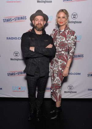 Jennifer Nettles - Sugarland performs at 'Stars and Strings' Concert in Chicago