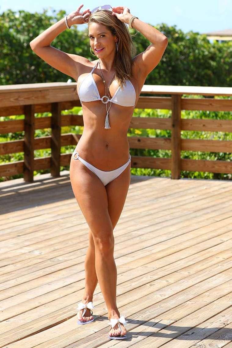 Jennifer Nicole Lee - Bikini Photoshoot in Miami