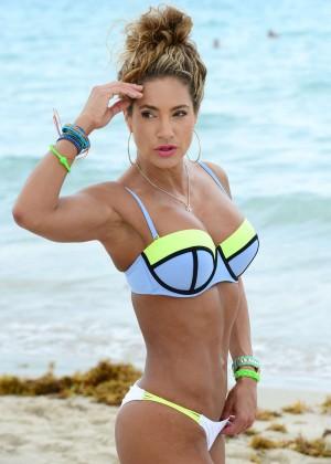 Jennifer Nicole Lee in Bikini Workout -06