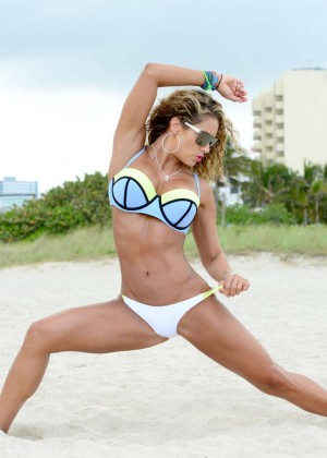 Jennifer Nicole Lee in Bikini Workout -07