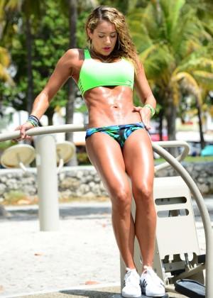 Jennifer Nicole Lee in Bikini Workout -09