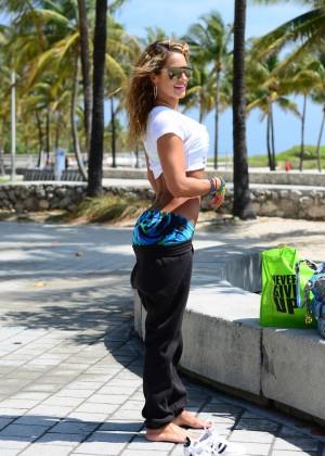 Jennifer Nicole Lee in Bikini Workout -15
