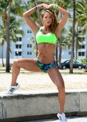 Jennifer Nicole Lee in Bikini Workout -20