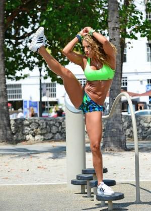 Jennifer Nicole Lee in Bikini Workout -27