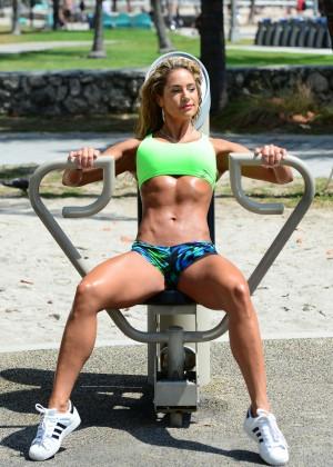 Jennifer Nicole Lee in Bikini Workout -29