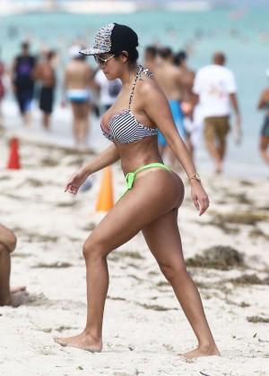 Jennifer Ruiz Diaz in Bikini -01