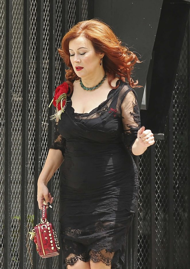 Jennifer Tilly on the set of 'Ray Meets Helen' in Los Angeles