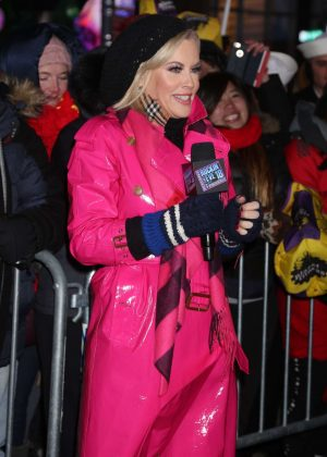 Jenny Mccarthy - 2018 New Year's Eve Celebration in Times Square in NYC