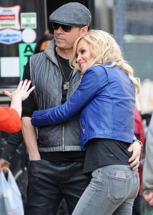 Jenny McCarthy - Doing a photoshoot in NYC