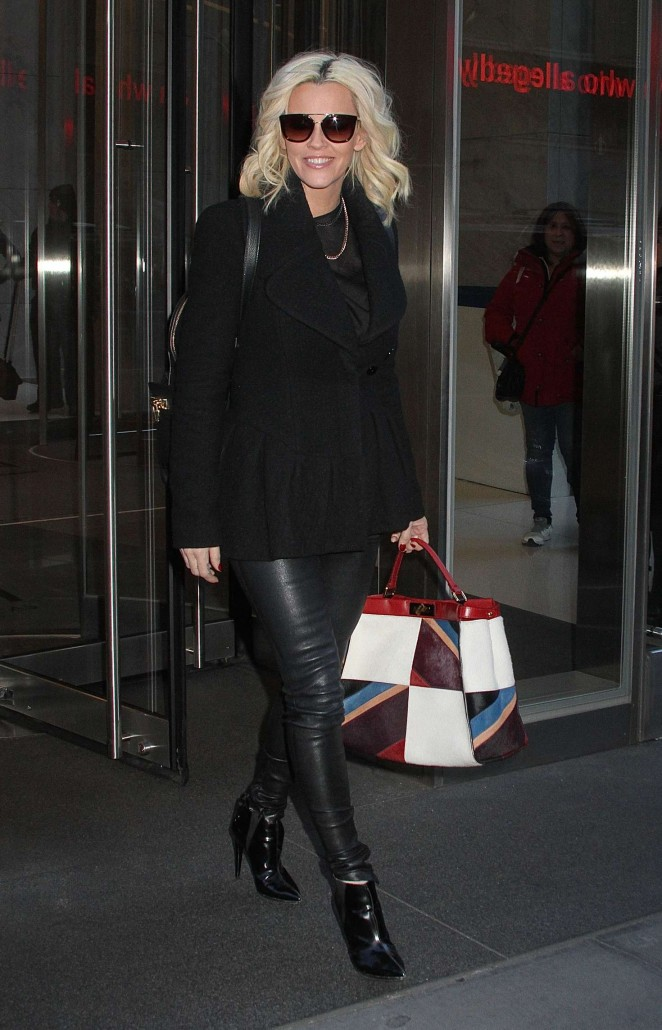 Jenny McCarthy - Leaving SiriusXM Studios in New York