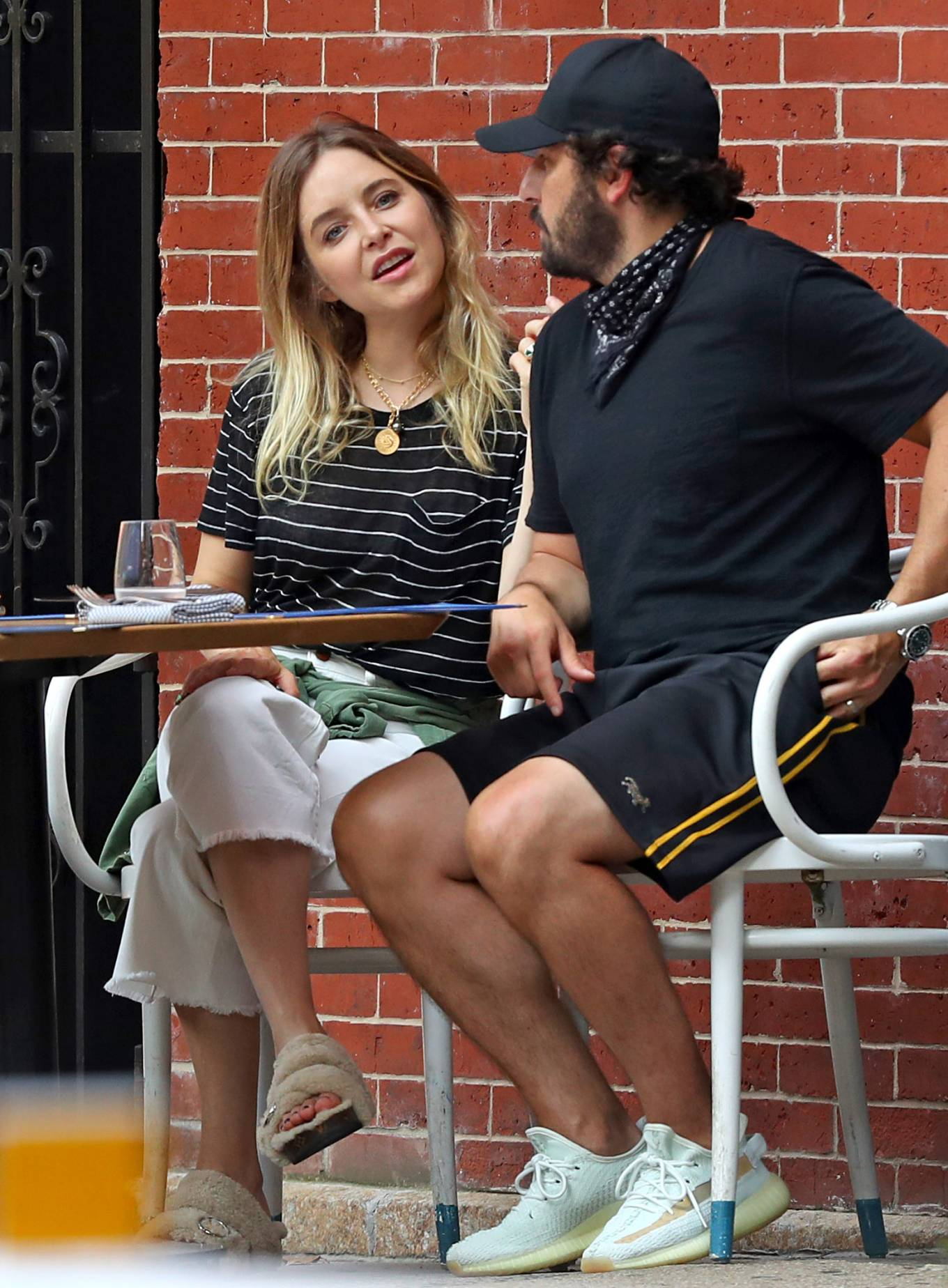 Jenny Mollen 2020 : Jenny Mollen and Jason Biggs – Spotted at a cafe in New York City-02