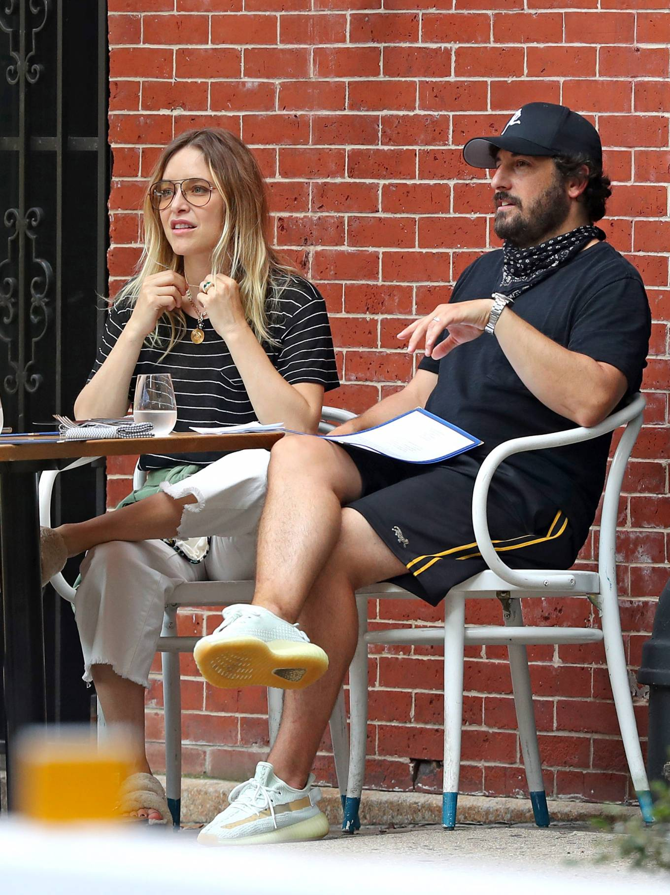 Jenny Mollen 2020 : Jenny Mollen and Jason Biggs – Spotted at a cafe in New York City-05