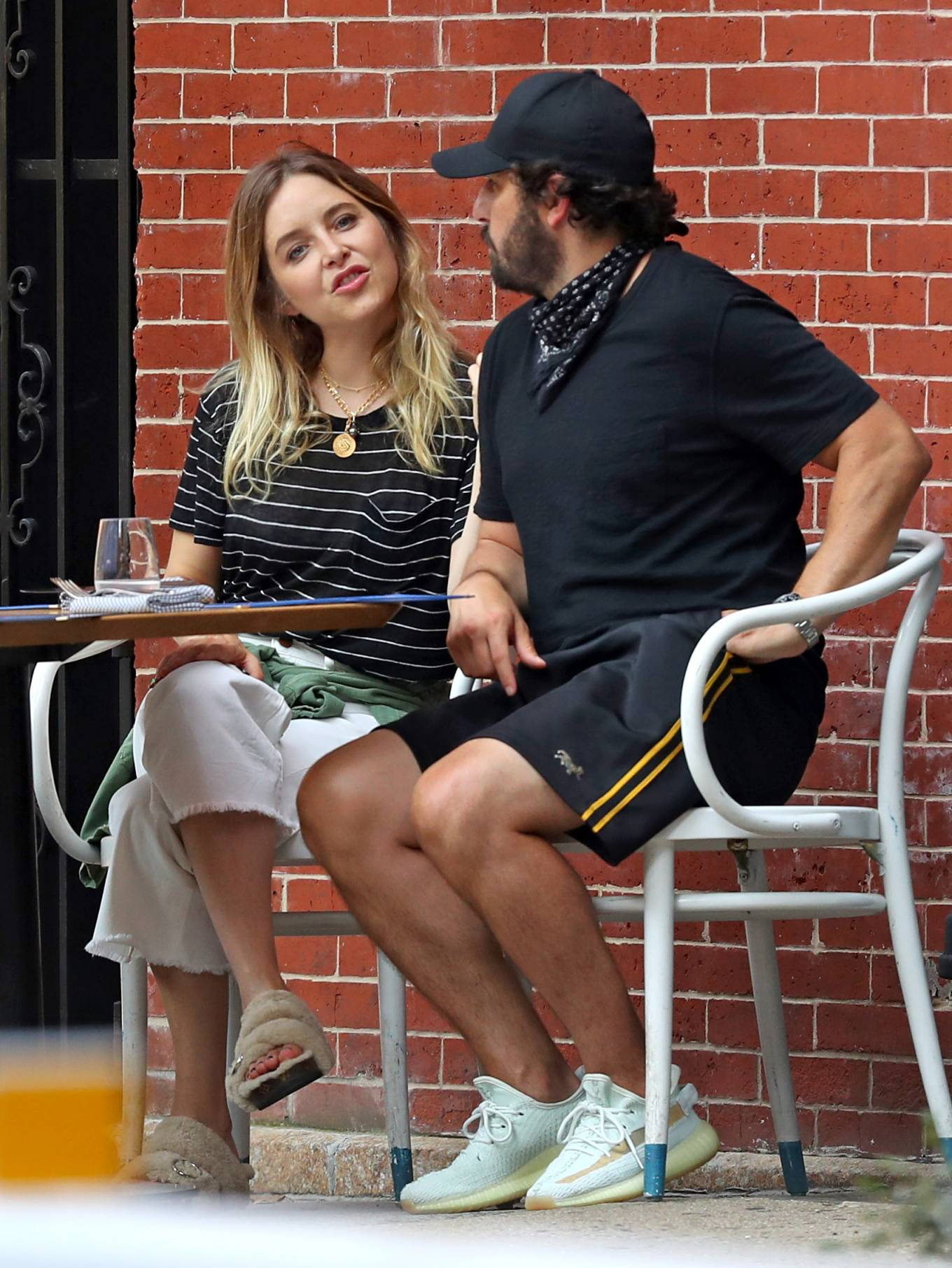 Jenny Mollen 2020 : Jenny Mollen and Jason Biggs – Spotted at a cafe in New York City-07