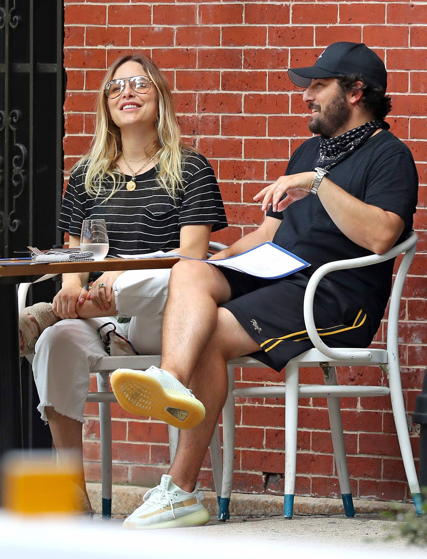 Jenny Mollen 2020 : Jenny Mollen and Jason Biggs – Spotted at a cafe in New York City-08