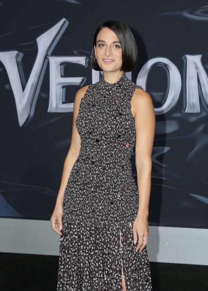 Jenny Slate – 'Venom' Premiere in Los Angeles