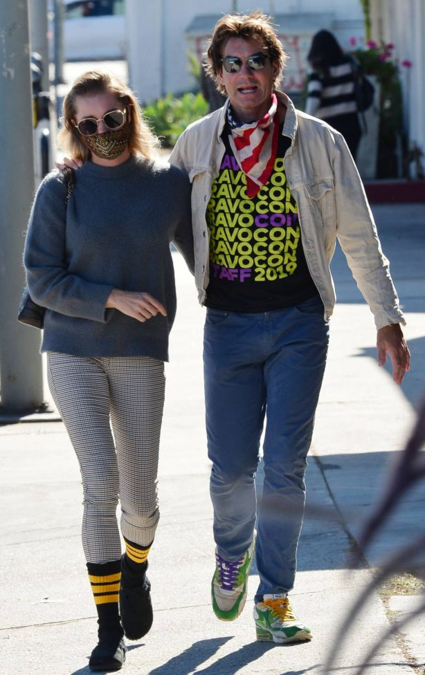 Jerry O'Connell and Rebecca Romijn - Out for a walk in Studio City