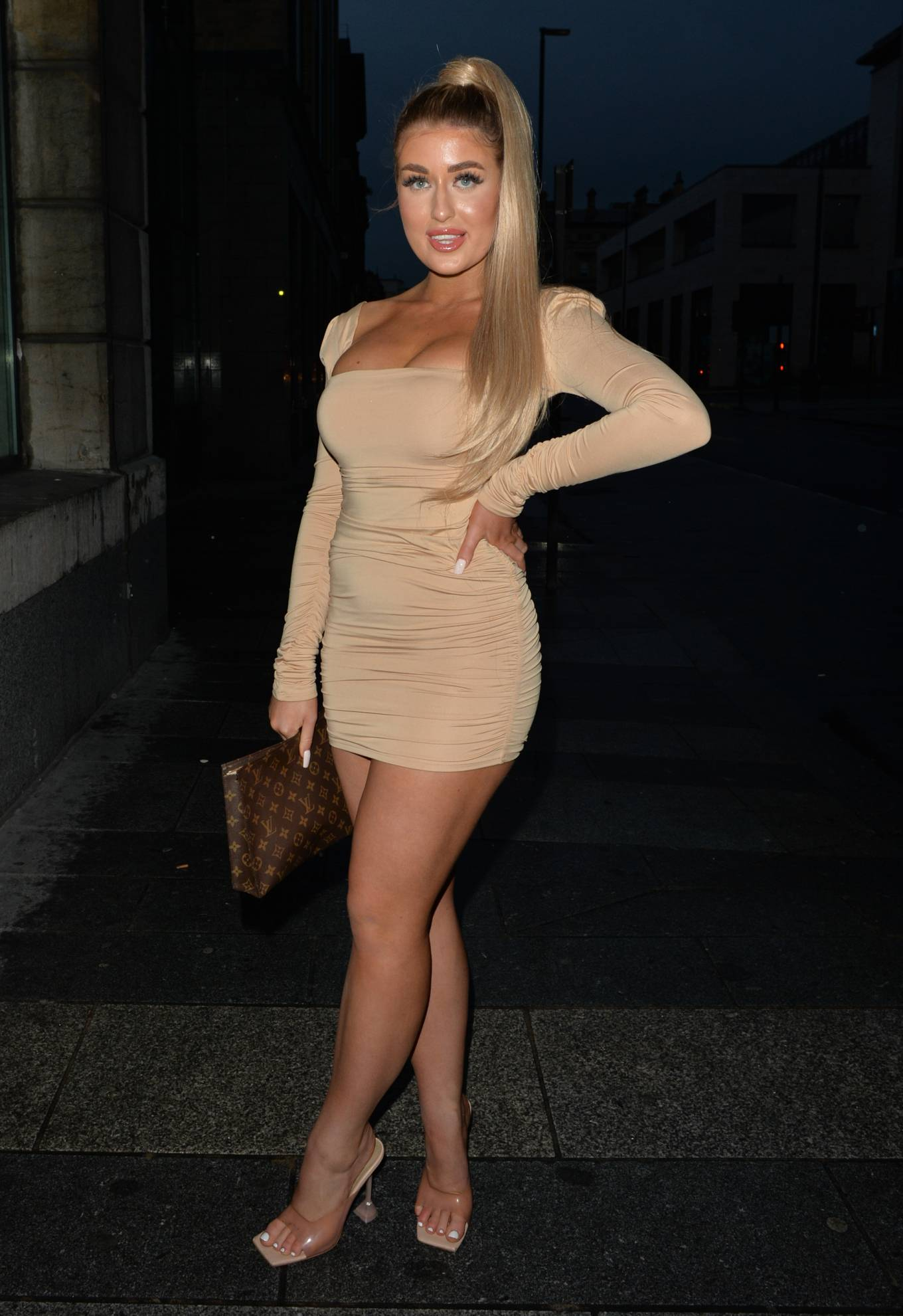 Eve Gale 2020 : Jess and Eve Gale – Night out for dinner in Liverpool -12