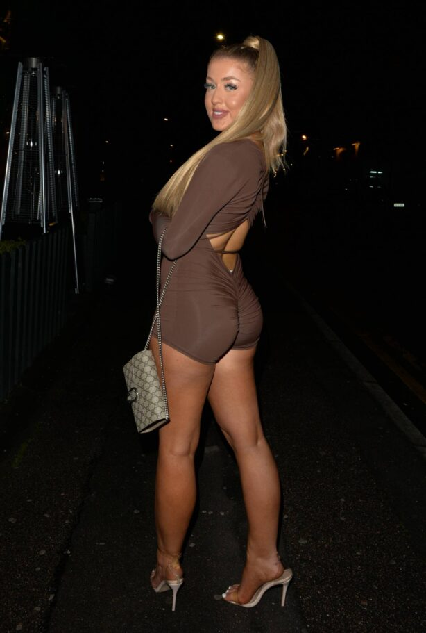 Jess Gale - Posing at Hart lounge in North London where celebrate her 22nd Birthday