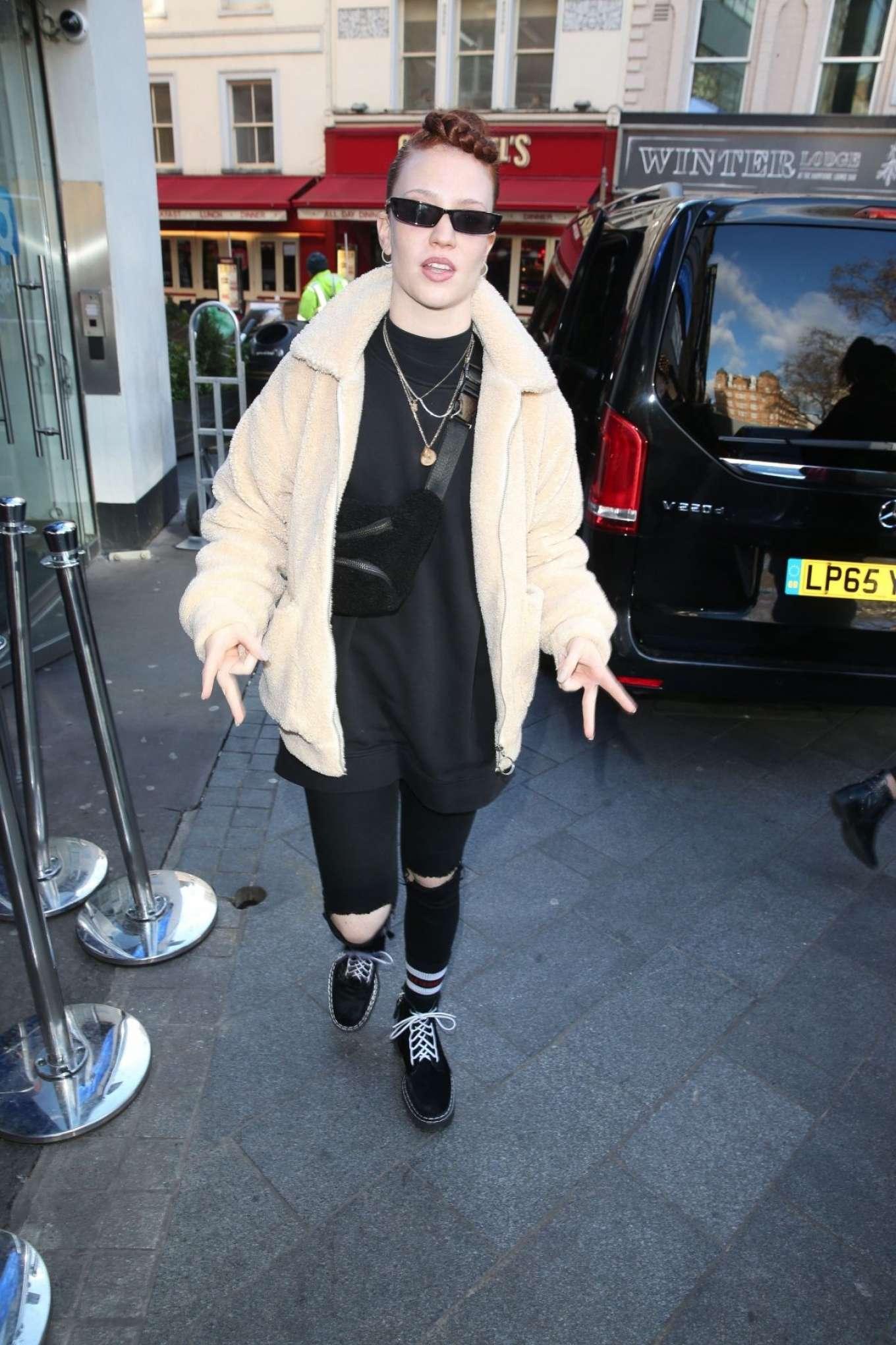 Jess Glynne - Leaves Global Radio Studios in London