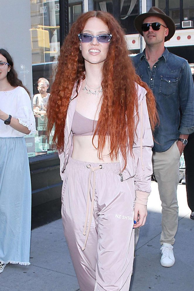 Jess Glynne - Visits AOL Build Series in NYC