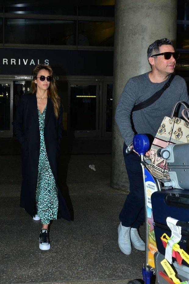 Jessica Alba and Cash Warren - Arrives in Los Angeles
