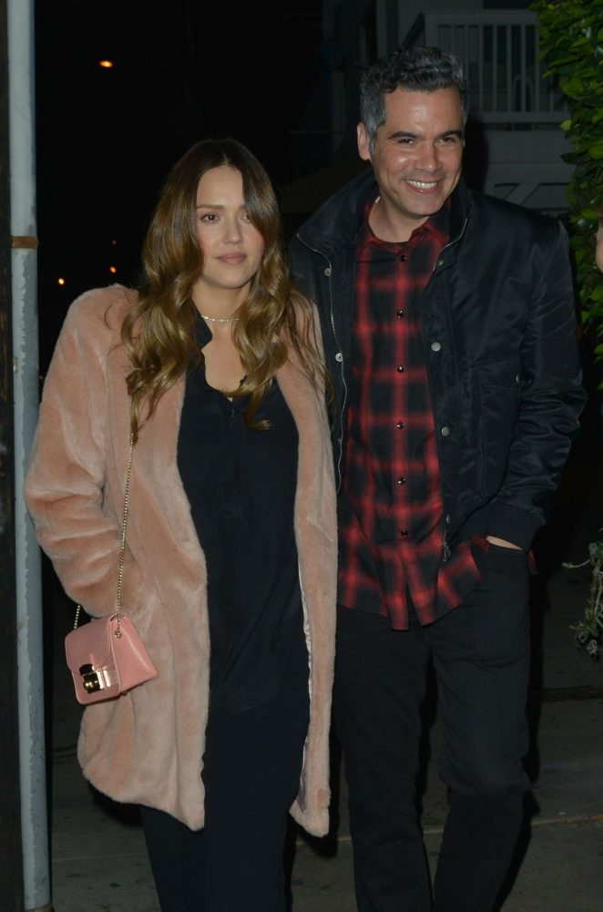 Jessica Alba and Cash Warren – Out for dinner in Santa Monica
