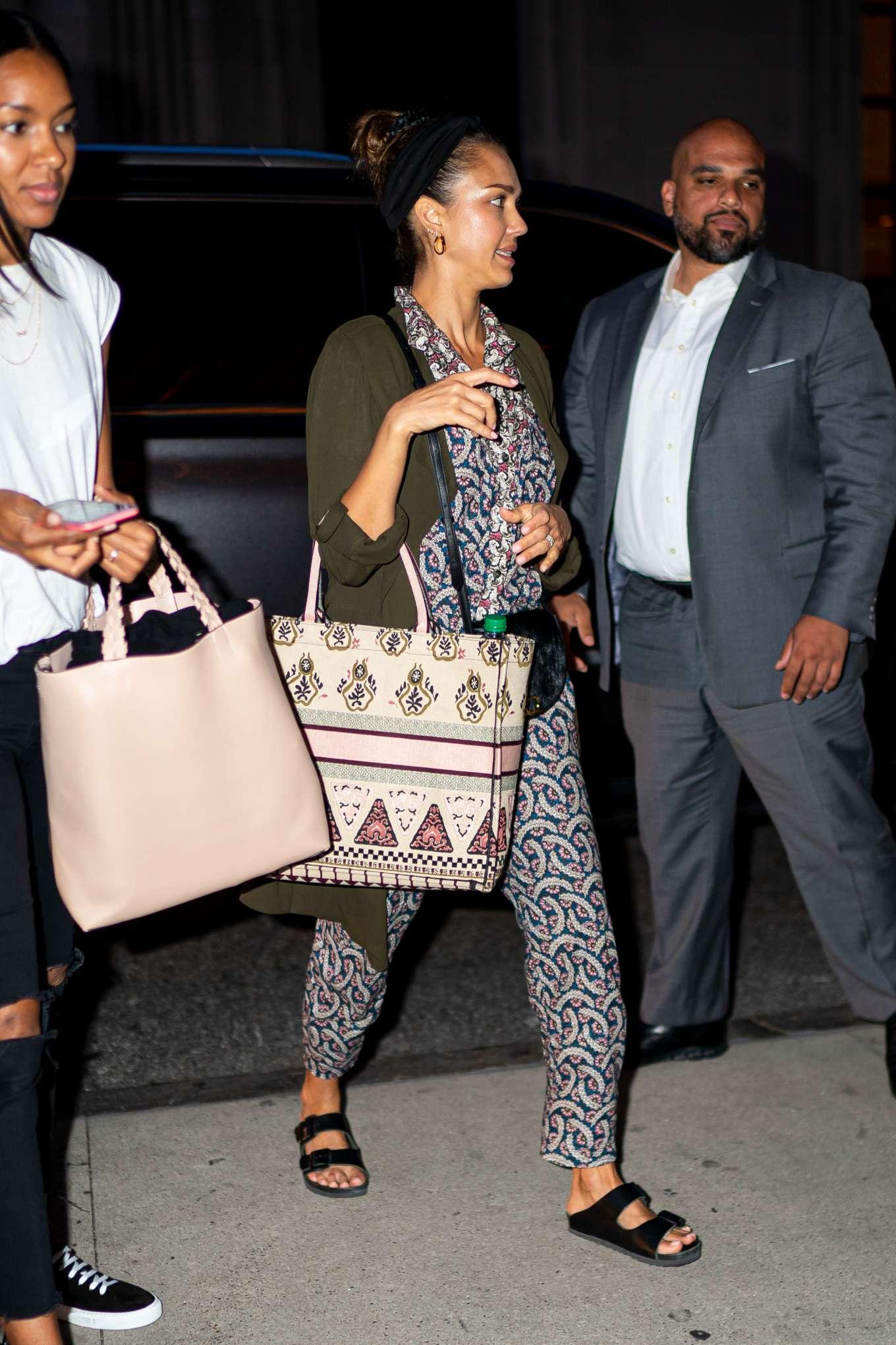Jessica Alba 2019 : Jessica Alba – Arrives at her hotel in New York City-03
