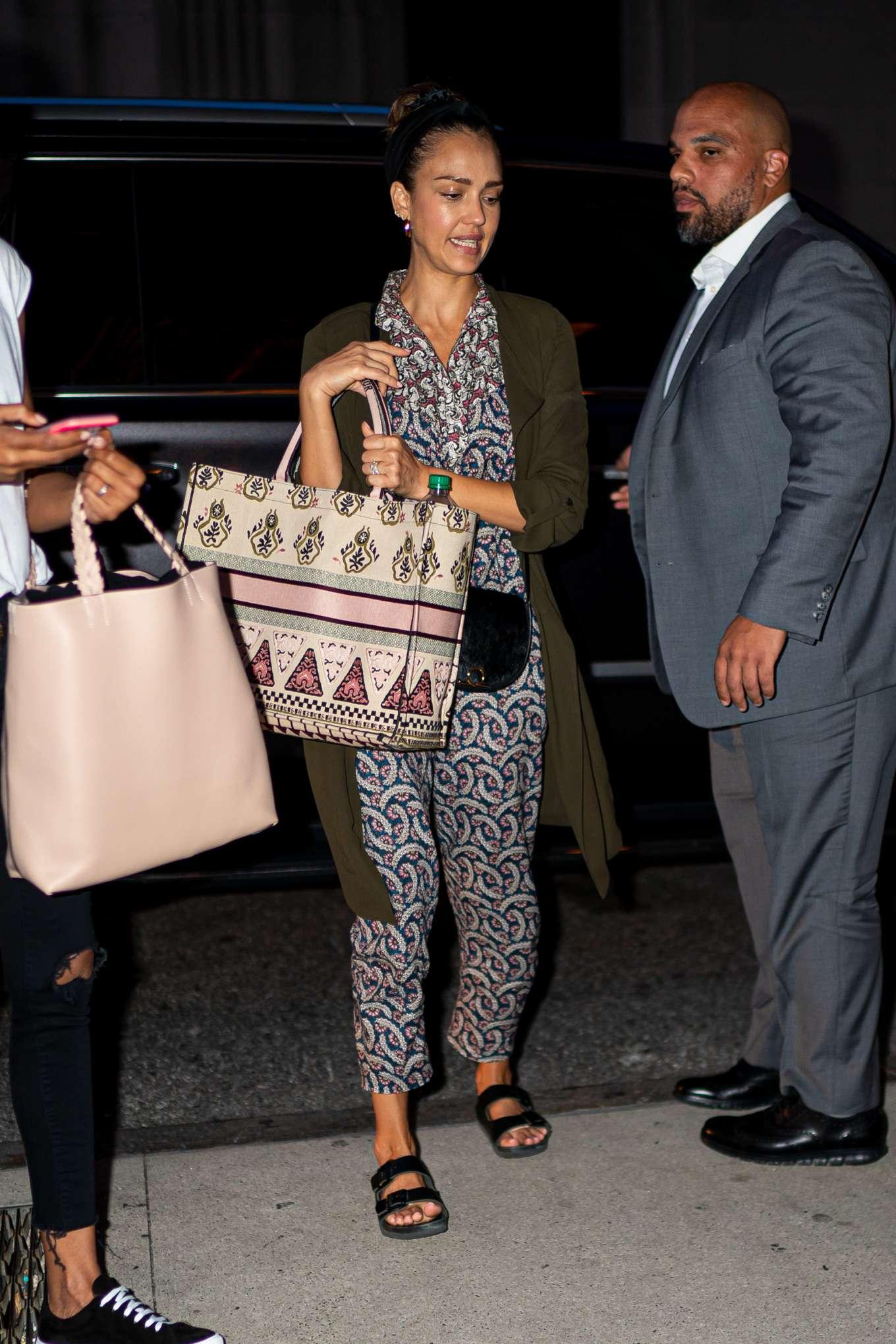 Jessica Alba 2019 : Jessica Alba – Arrives at her hotel in New York City-04