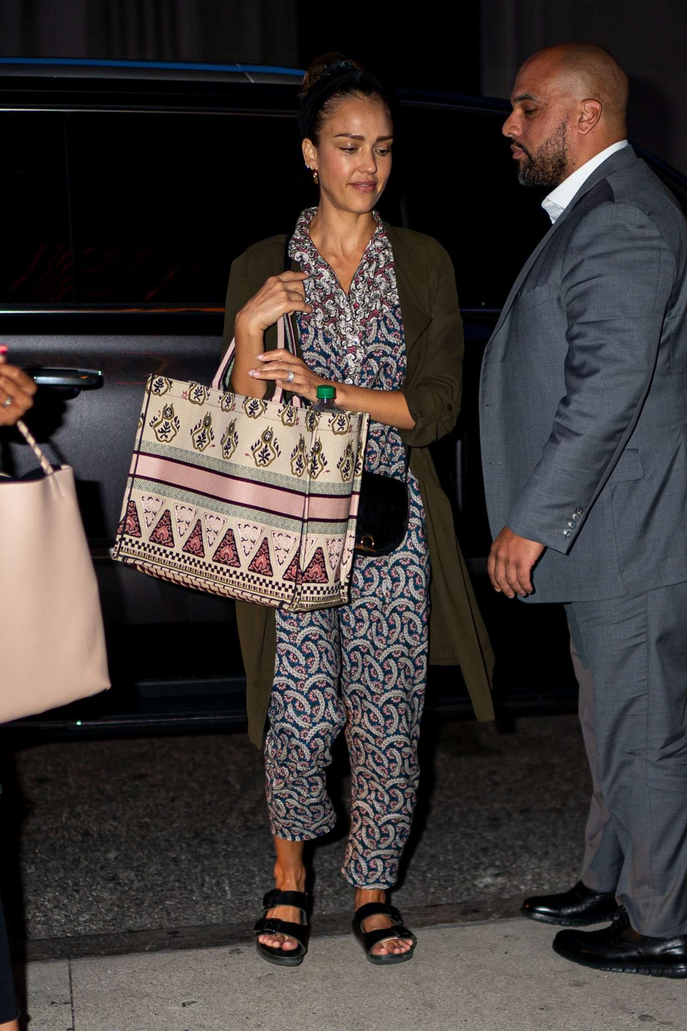 Jessica Alba 2019 : Jessica Alba – Arrives at her hotel in New York City-05