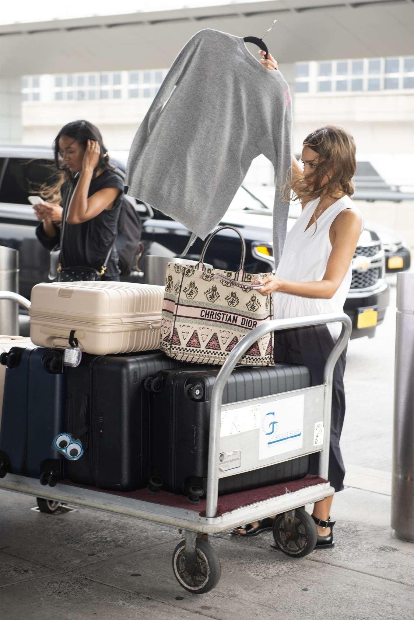 Jessica Alba 2019 : Jessica Alba – Arrives at JFK Airport-05