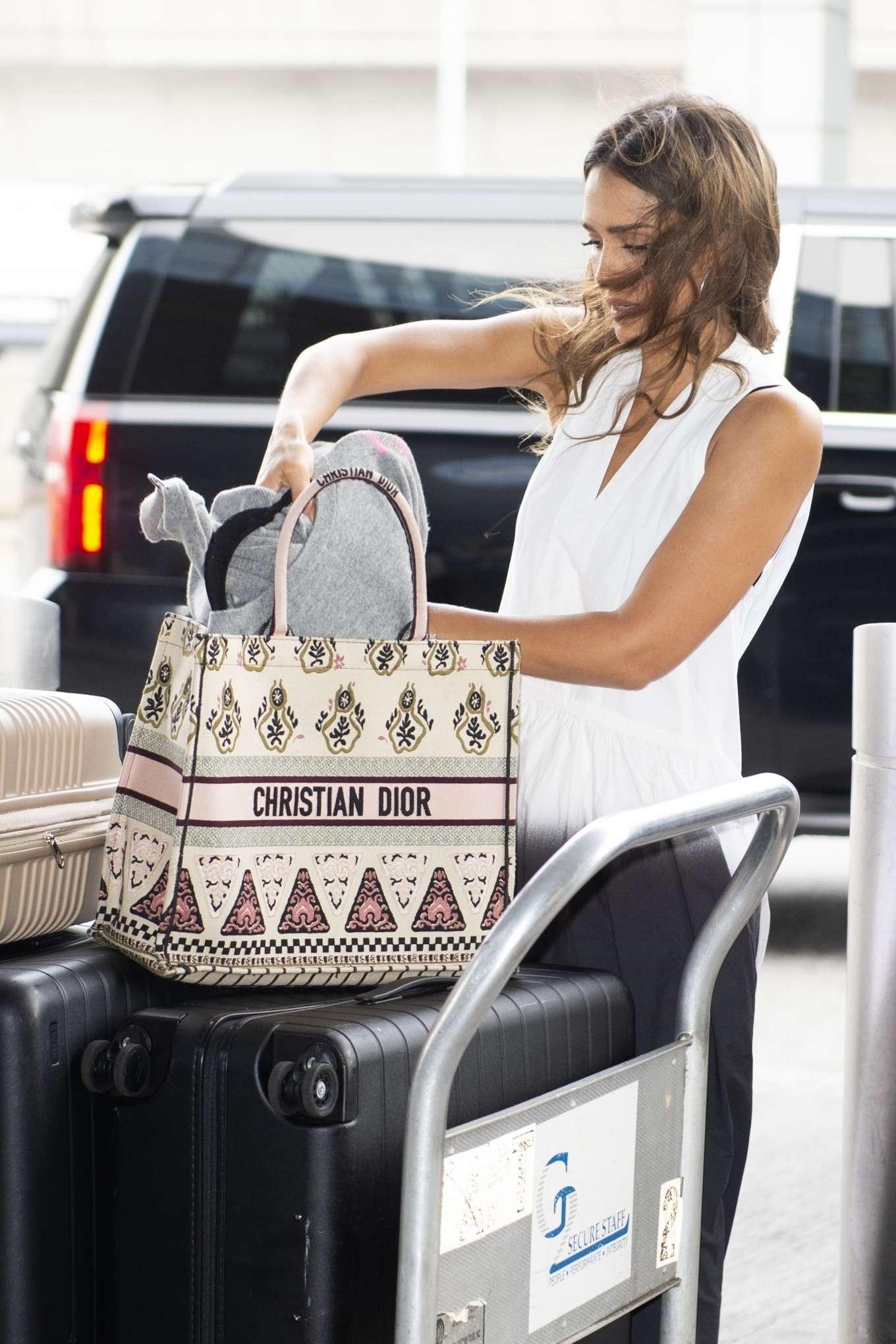 Jessica Alba 2019 : Jessica Alba – Arrives at JFK Airport-06