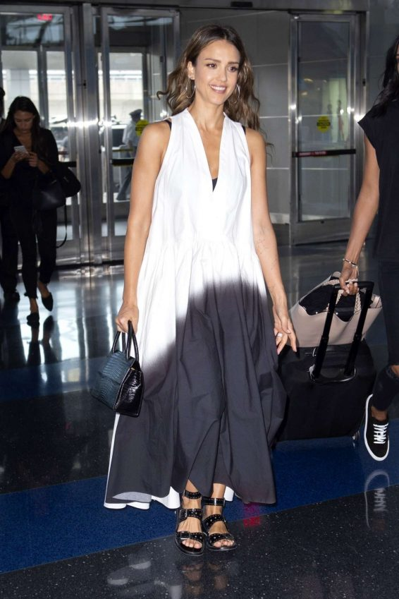 Jessica Alba - Arrives at JFK Airport in New York City