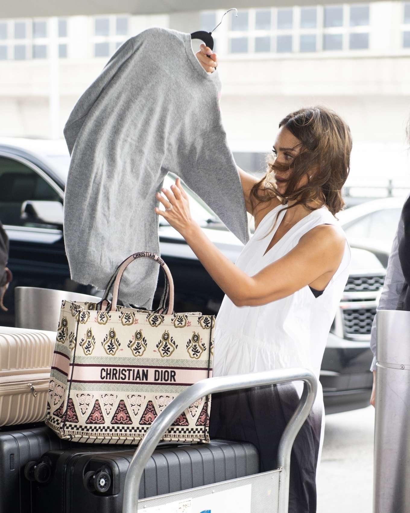 Jessica Alba 2019 : Jessica Alba – Arrives at JFK Airport-17
