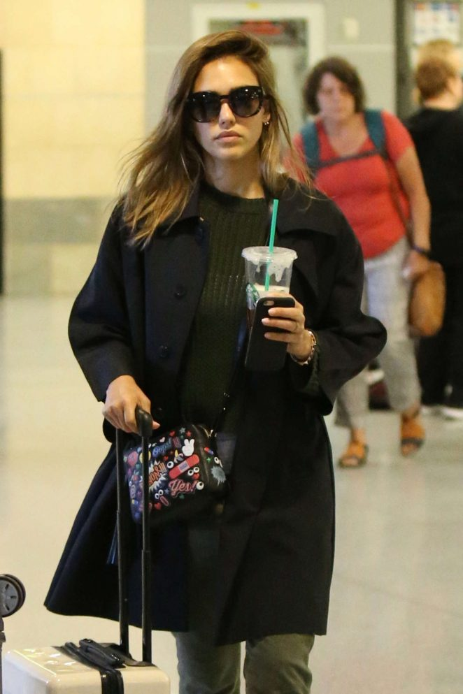 Jessica Alba - Arrives at JFK Airport in New York
